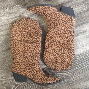 Almost new leopard print cowboy boots